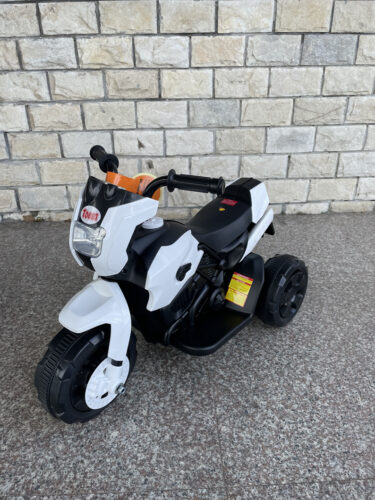 6V Battery Power Ride On Motorcycle for Kids, White photo review
