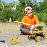Gesture Sensing RC Stunt Car for Kids, Yellow TH17P0833 cj3